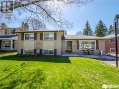 Real Estate Listing   8 LAY Street Barrie