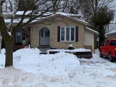 Real Estate Listing   90 BERNICK Drive Unit# B Barrie